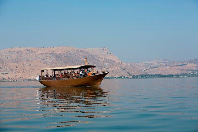 GE12IGE01538_Itamar-Grinberg-Pilgrims-boat-on-the-Sea-of-Galilee
